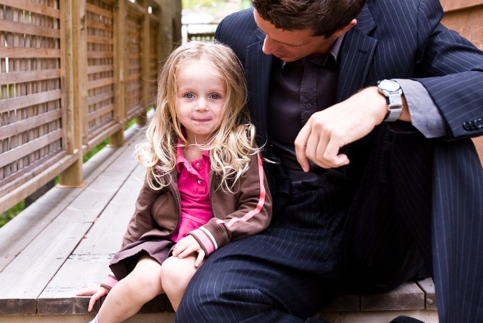 Can a Father Claim a Child on Income Taxes If the Child Doesn't Live With Him?