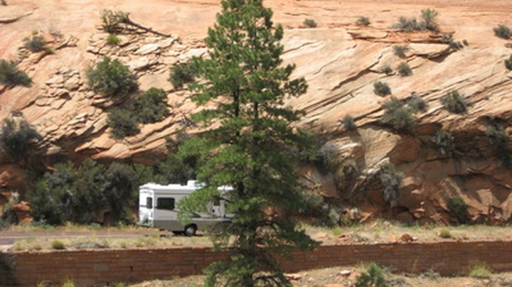 Cottonwood is in central Arizona, just east of the Prescott National Forest and about 15 southwest of the Sedona Red Rock State Park. RV parks in the town provide full hook-ups and proximity to a variety of outdoor activity venues such as golfing, fishing, hiking, and biking.
