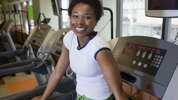 Running on a treadmill helps accomplish a variety of essential fitness goals. In addition to efficient cardiovascular training, treadmill exercise works the full leg and buttock muscles, including the calves, quadriceps, hamstrings and glutes. While spot training remains a pervasive myth, you can increase how much you work your butt muscles by adjusting the settings on the treadmill.