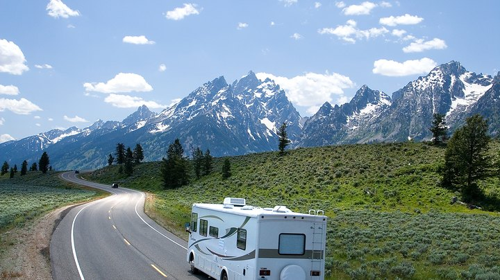 Imagine living in a different state every month, choosing your neighborhood according to the climate and scenery. This is just one of the advantages of the RV lifestyle. Thousands of people live a nomadic life, crossing the country in their RV and parking in a new spot every couple of weeks. If you're close to deciding on taking the plunge, a cross-country tour is an ideal way to test out your skills and ability to live in a motor home. Rent a home for a couple of weeks as a test and you can check out the lifestyle without the expense of buying a rig beforehand.