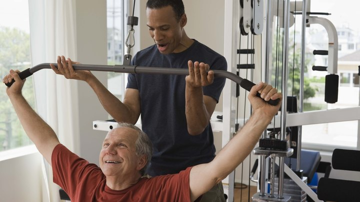 The first step to becoming a personal trainer is obtaining certification from a nationally accredited, reputable company. Once you are certified you have a big decision to make between working for yourself or getting employed by a gym. Each of these options carries its own set of pros and cons. Loving fitness and knowing what it takes to live a healthy active life may work for yourself, but as a trainer you have to be able to use what you know to benefit other people, which means taking the good with the bad.