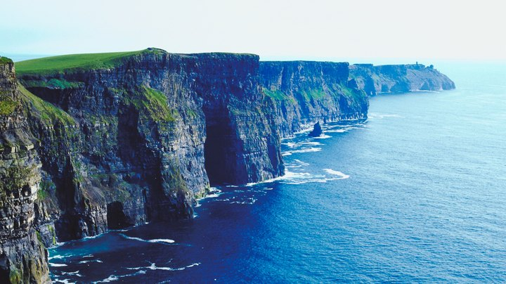 While park rangers, scenic cliffs and lunar-like landscapes are a common sight in the American Southwest, they are equally at home in Ireland some 5,000 miles away. Surrounded by the North Atlantic, the Emerald Isle is very different from the arid desert of the American Southwest.  Just 32,600 square miles in size, Ireland is smaller than Arizona, yet visitors exploring its geographic and geological sites will discover that landform similarities exist between the two.