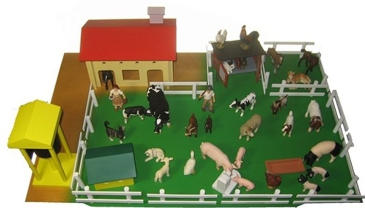 The phonetic farm contains objects like a figure of a man, a cow, a ram and a dog as well as corresponding word cards.