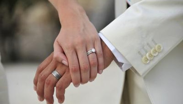 An ordained minister or judge can perform a marriage ceremony in Arizona.