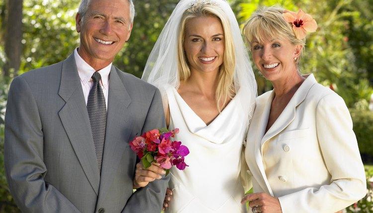 Wedding Etiquette For Groom S Parents: Wedding Etiquette On The Parents Of The Bride's Duties