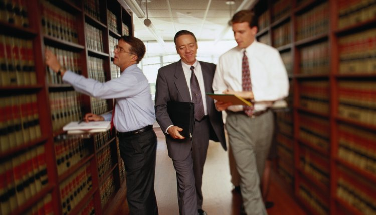 Law firm management courses help lawyers work together more efficiently.