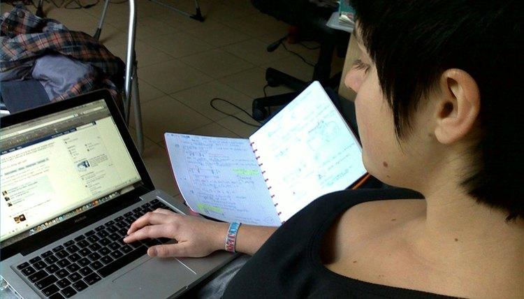 Distance learning law school UK,online degree course