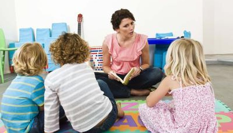 Preschoolers listening to teacher