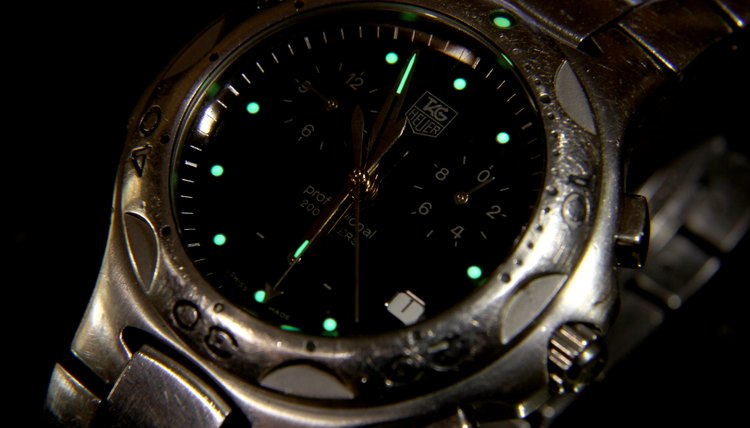 the watch, low light, darkness, The hands