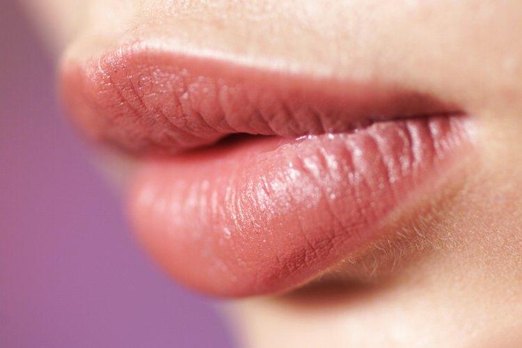 Qu significa cuando tu labio superior est hinchado for Que significa gym