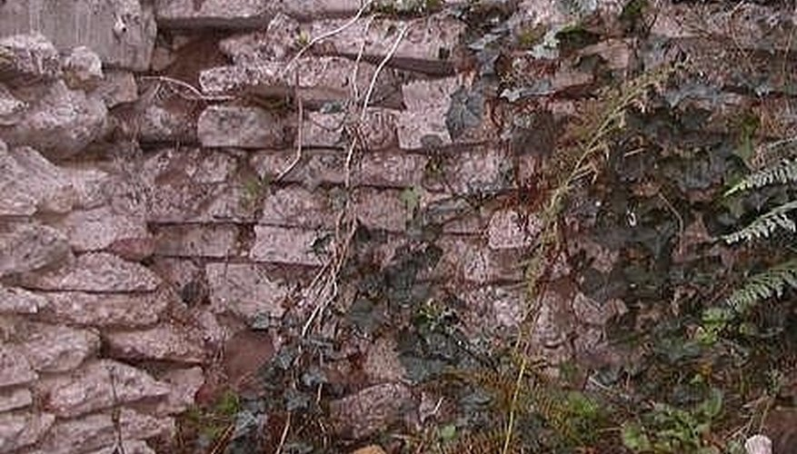 how to build a stucco retaining wall