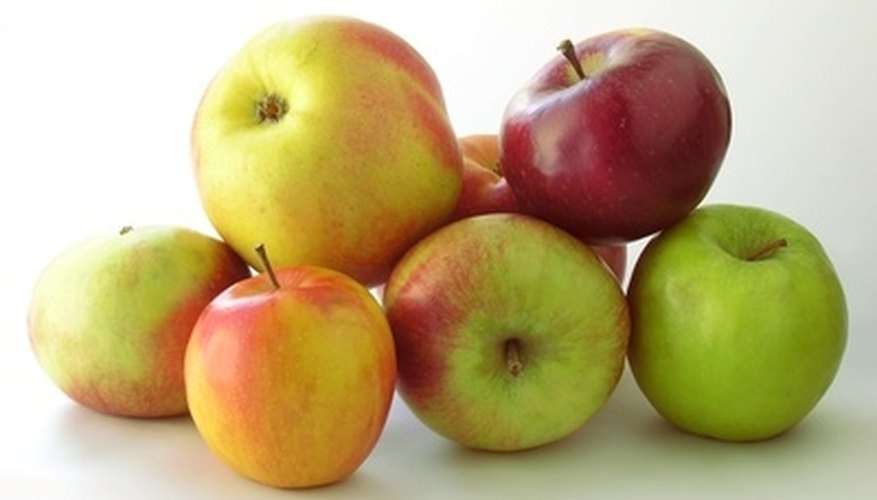 Many different varieties of apples exist.