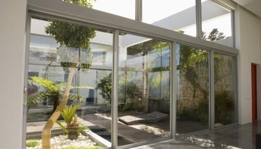 How To Decorate An Atrium Garden Guides