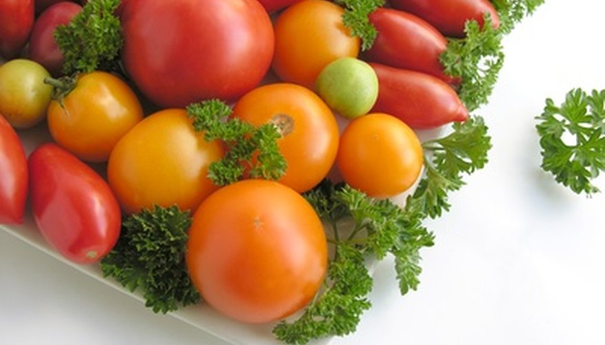 Many varieties of tomatos grow well in Florida.