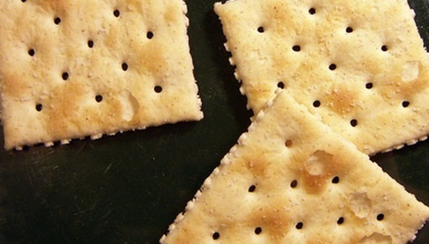 Crackers are a good finger food for babies.