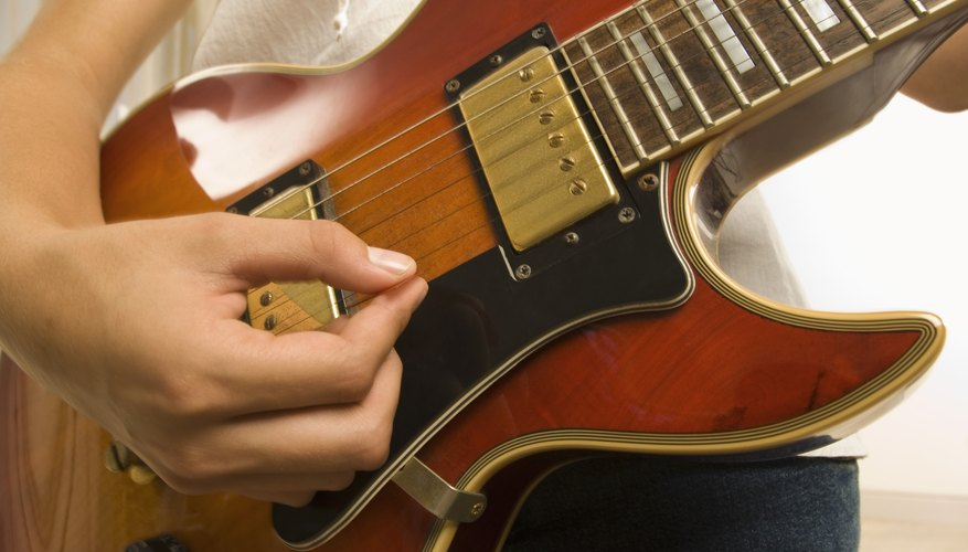 how to change the strings on an ibanez guitar our pastimes. Black Bedroom Furniture Sets. Home Design Ideas