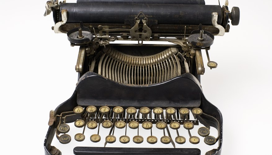 Vintage typewriters have become collectable antiques.
