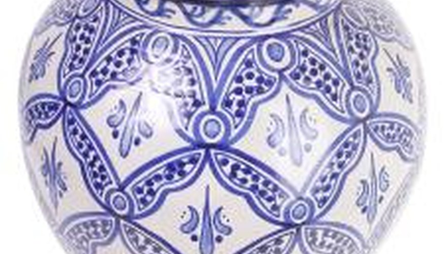 Learn how to research the markings on your porcelain pieces.