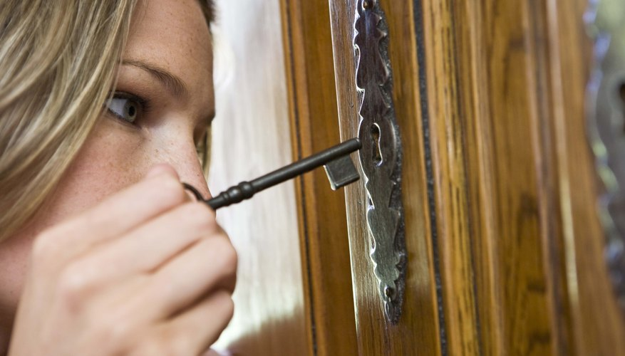 How To Unlock An Antique China Cabinet Our Pastimes