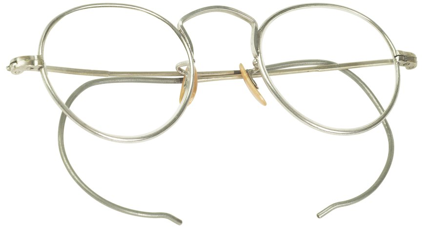 These early wire wrap-around frames were popular a century ago.