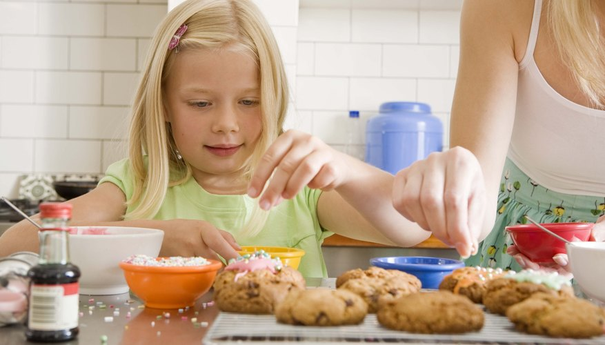 Make banana oatmeal cookies together with your child.