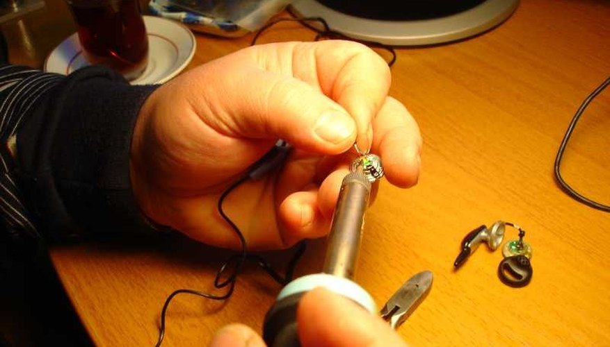 Proper tinning and soldering ensures good connections in electronics and solid joints.