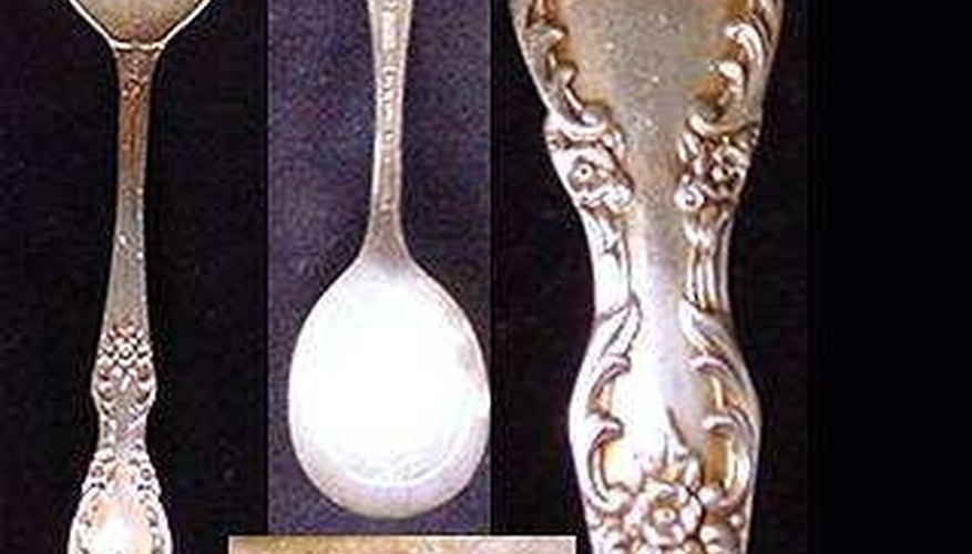 Rogers Extra Plate is silverplated flatware