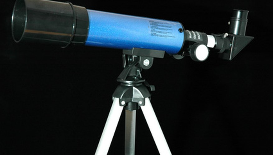 The Bushnell Voyager telescopes use refractive optics.