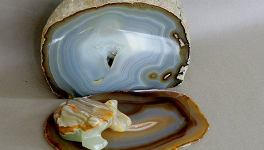 Agates reflect light more than other rocks.
