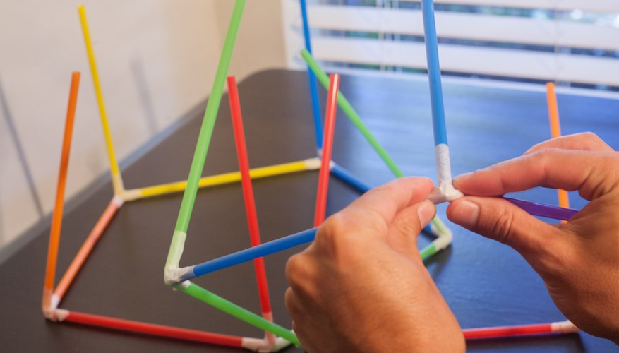 egg drop project with straws Egg drop challenge and free planning printable straws and popscicle sticks egg drop challenge experiment from buggy and buddy.