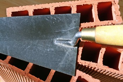 Working with bricks or plaster requires a trowel.