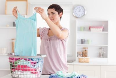 Doing the laundry many times can become a difficult task when strong odors are involved.