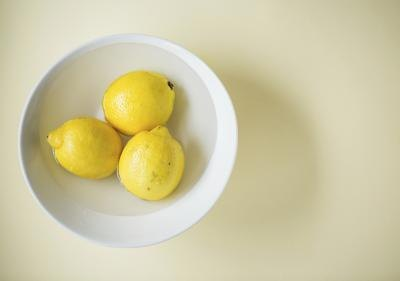 Drop fleas into a bowl of lemon juice to kill them.