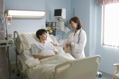 Doctor explaining diagnosis to a patient