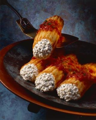 Cannelloni pasta stuffed with cottage cheese