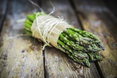 Small bundle of asparagus.