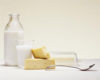 A diet rich in calcium can prevent osteoporosis.
