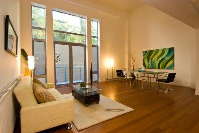 Paint Colors That Go With Dark Wood With Pictures Ehow