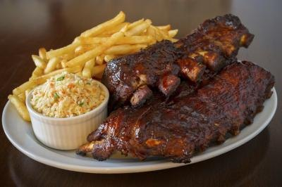 Pork ribs with fries and cole slaw