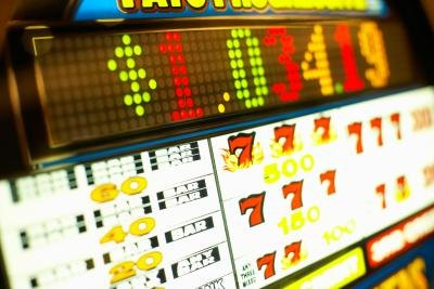 how to beat a slot machine electronically