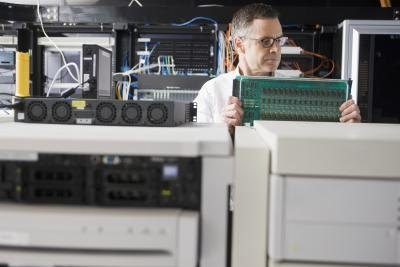 A systems administrator can make up to $70,680 per year.