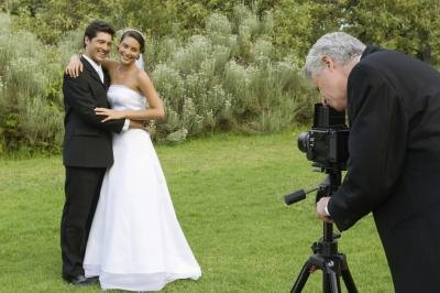 Wedding photography can also be a way to make extra money.
