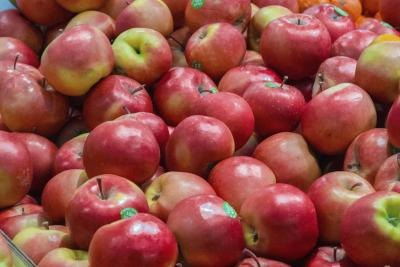 Fresh apples for sale at a market