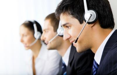 The customer service goal should show a benefit to internal and external customers.