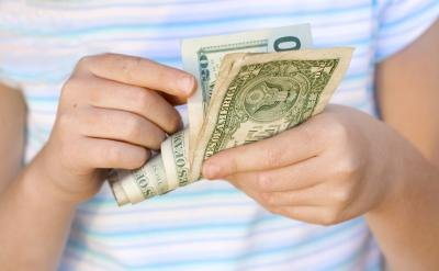 12-year-olds to earn money can make money in the summer.
