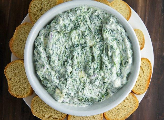 Creamy Greek Yogurt Spinach Dip (Your New Favorite Go-To ...