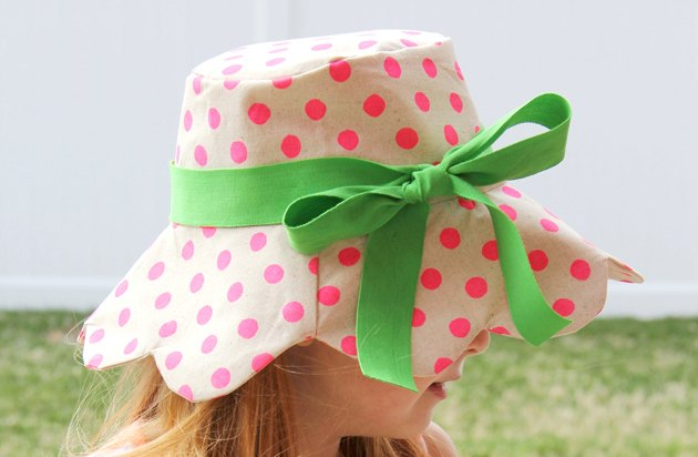 How to make a kid's bucket hat (with the free printable pattern).