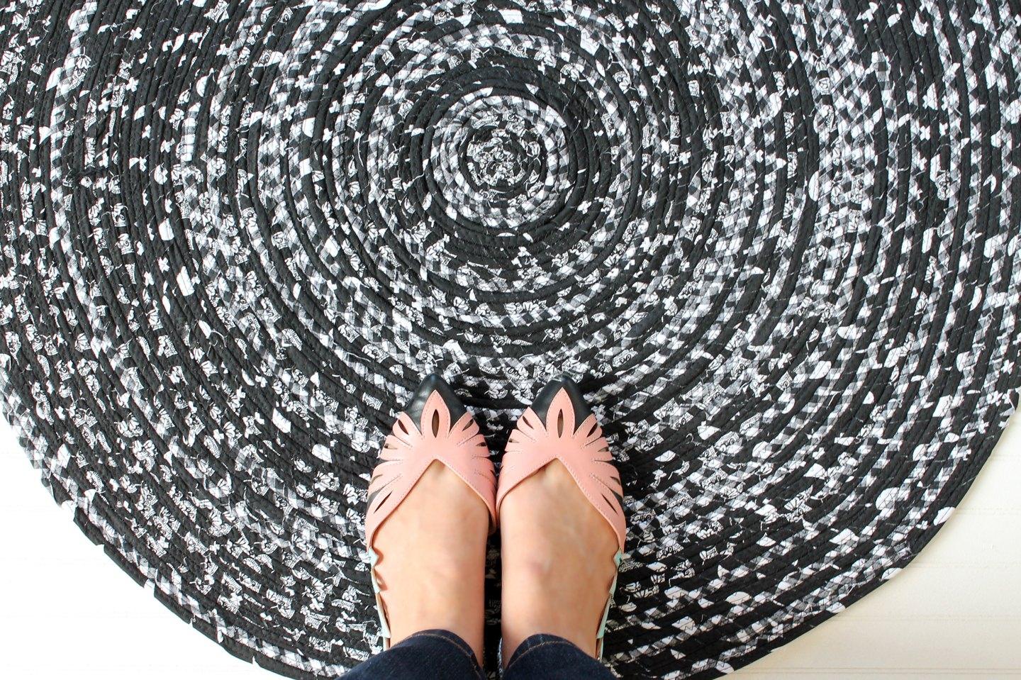 How To Weave Fabric Into A Rope Rug Ehow