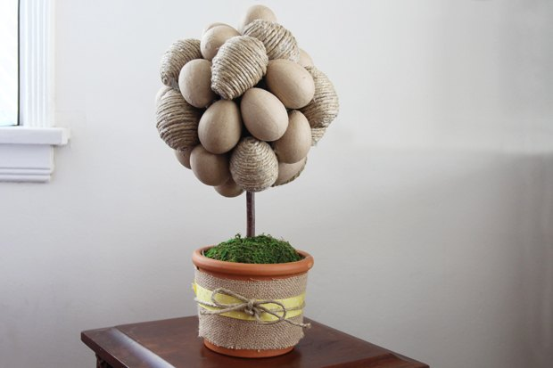 Make a craft-colored egg topiary tree to welcome spring.