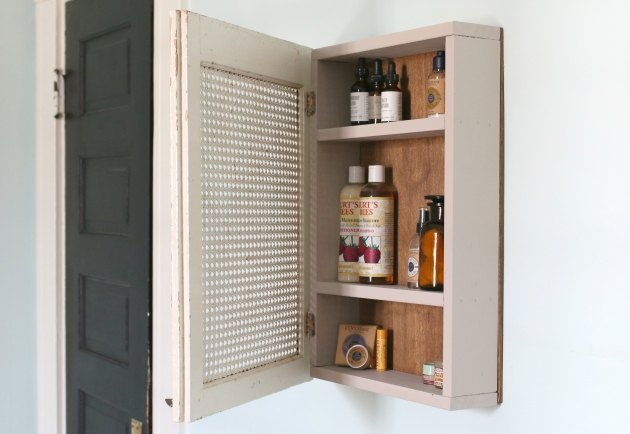 Make this medicine cabinet to store everyday essentials.